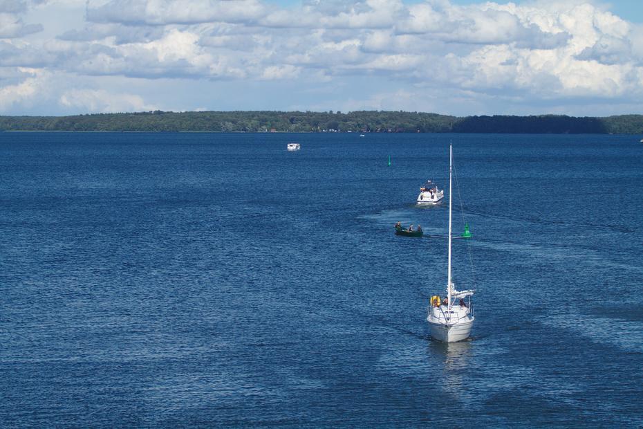 Segelboot auf dem Plauer See